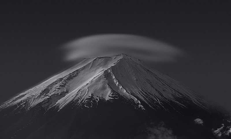 Mountain and cloud in black and white