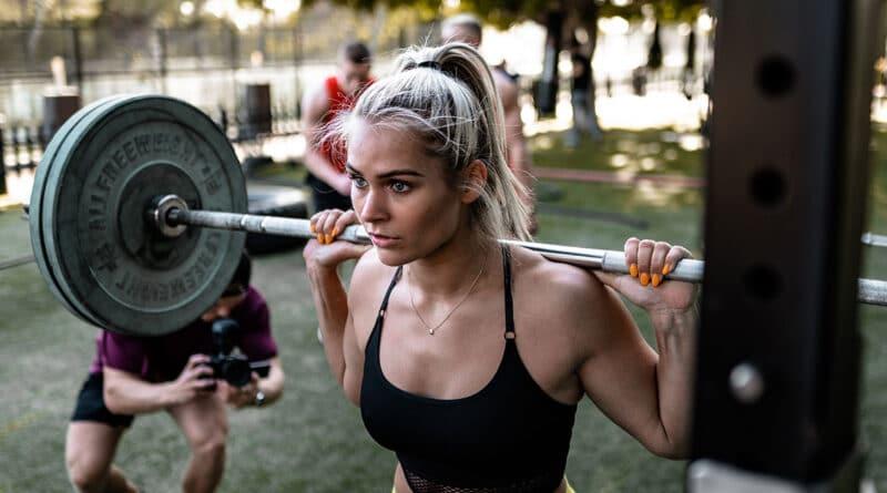 Leg-Exercises-squat