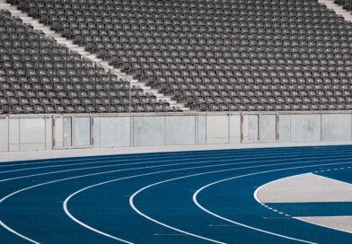 Jesse Owens running track