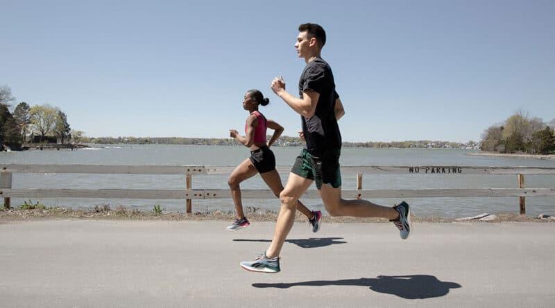 Reebok-Floatride-Energy-3-Adventure-athletes-running by lake