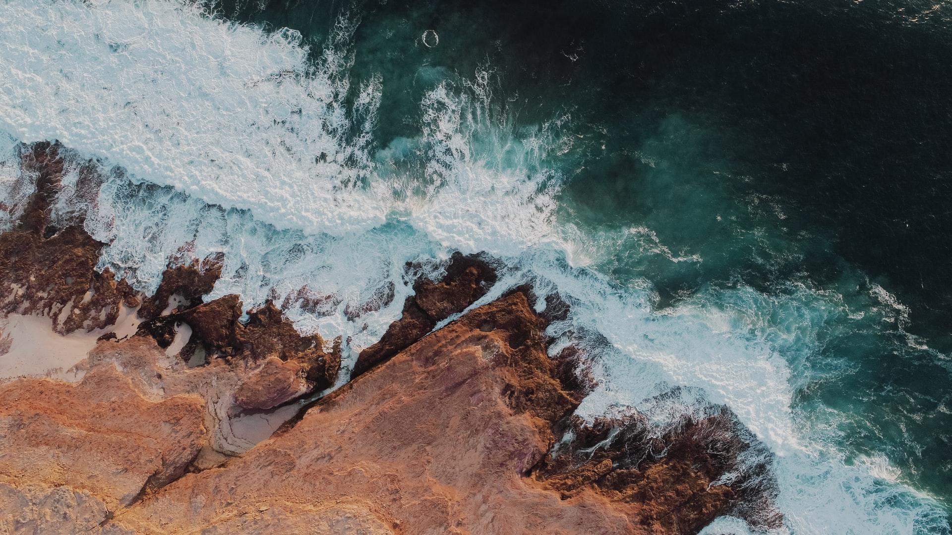 Ocean shoreline